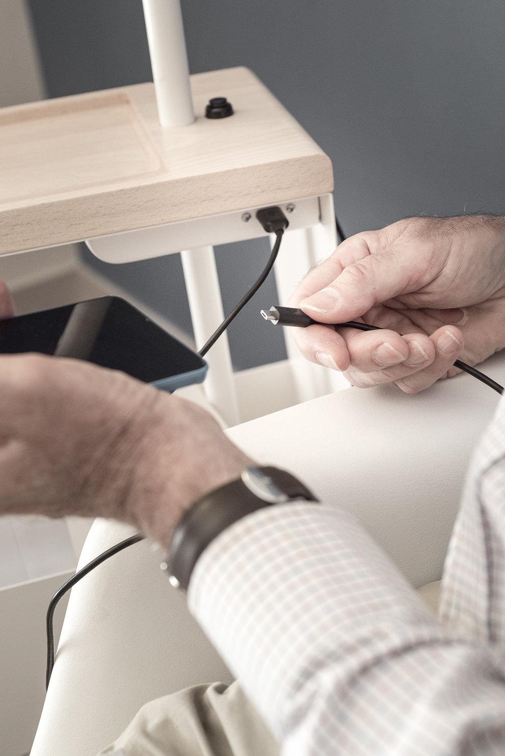 Rester en contact - Prise USB pour recharger les téléphones, tablettes ou autres appareils.