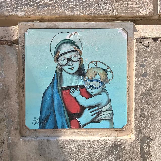 Saw The Leaning Tower of Pisa, but everyone knows what that looks like, so here's come cool street art instead! #art . . #italy #art #streetart #scuba #diving #painting #picoftheday #ig #iphone #blues #holiday #classic #funny #pisa #religious #graffiti