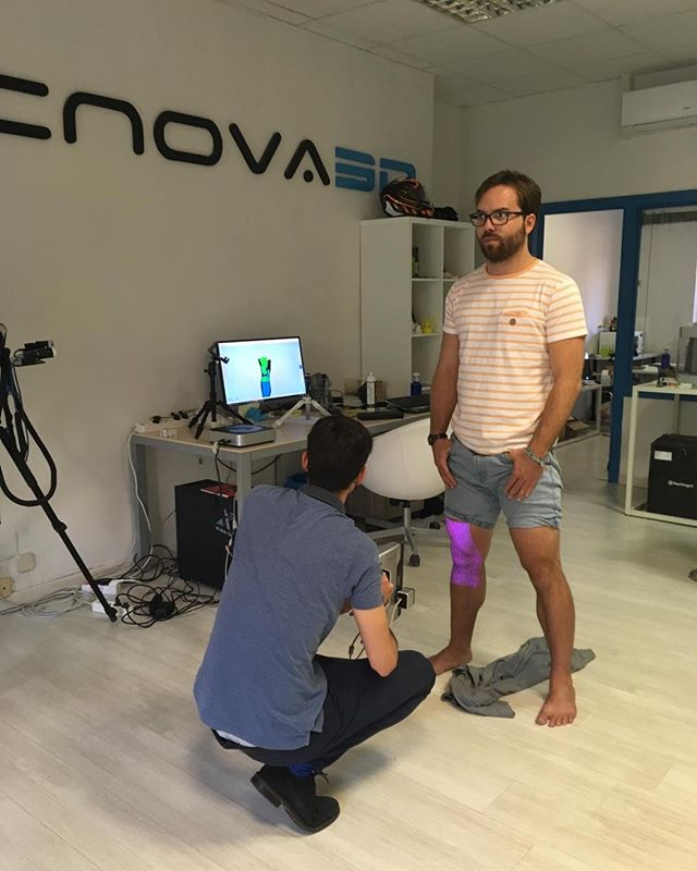 Art4leg visits Sicnova 3D scanning facilities in Madrid #sicnova #art4leg #3dprinting #3dscanning