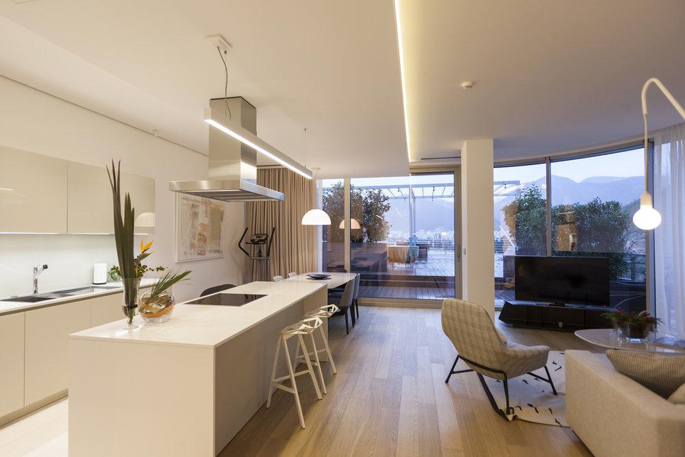 Купить недвижимость / апартаменты / квартиру в Черногории на море в элитном комплексе Dukley Gardens в Будве