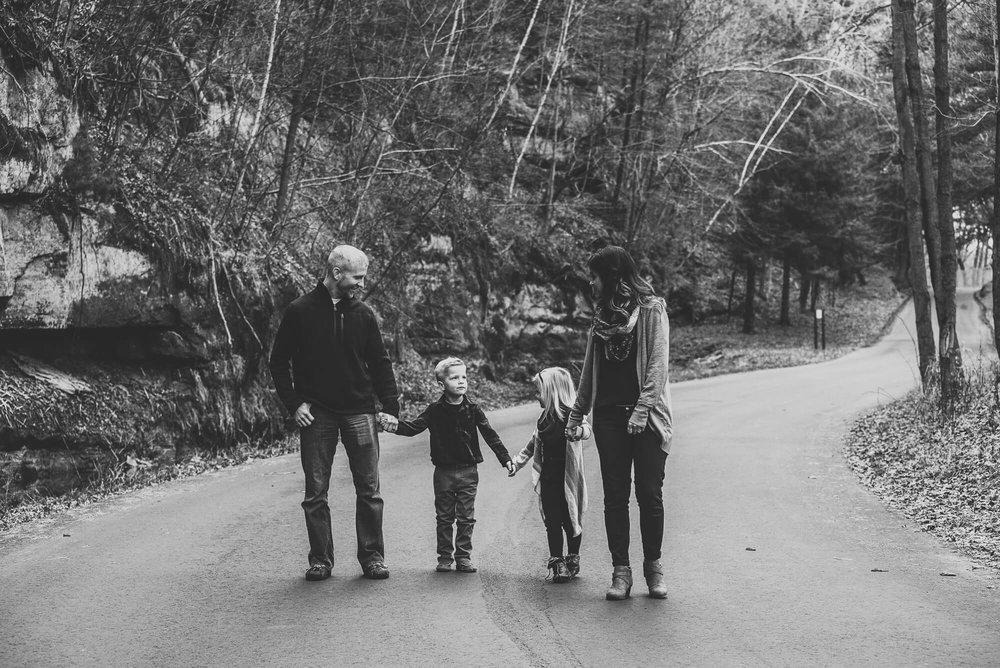 Sparrow & Laine Photography Wisconsin Family Photographer.jpg