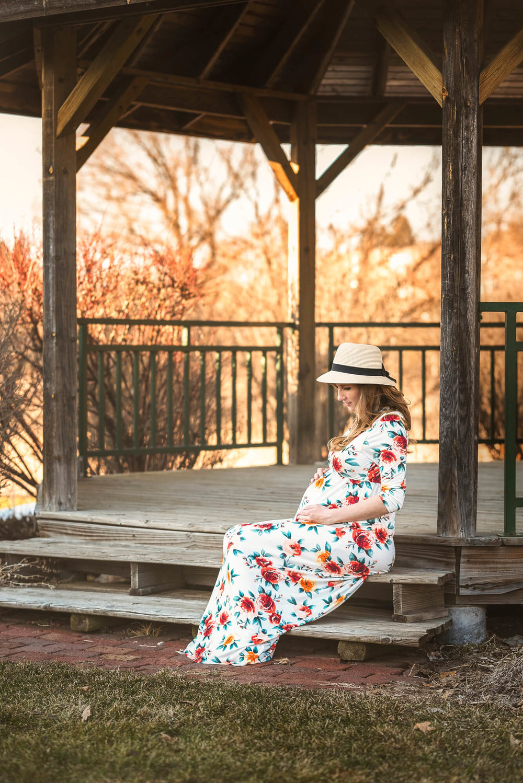 Sparrow & Laine Photography Wisconsin Maternity Photographer 1.jpg
