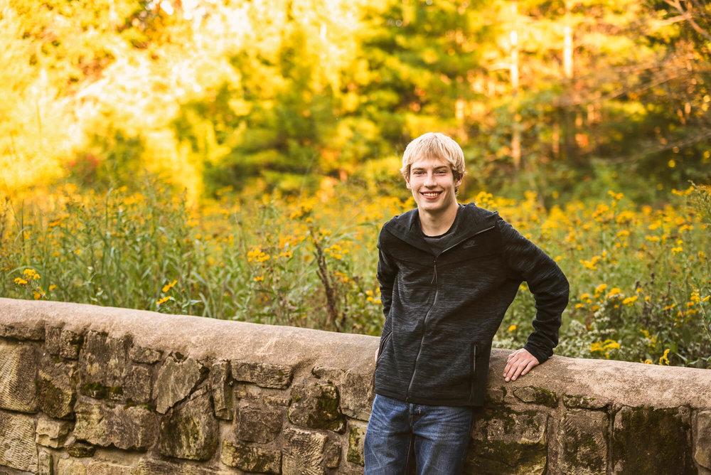 Sparrow & Laine Photography Wisconsin Senior Photographer 17.jpg
