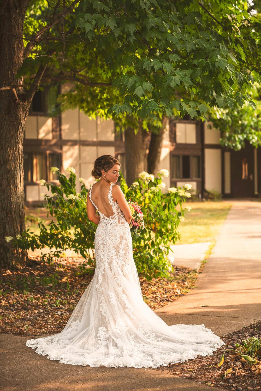 Sparrow & Laine Photography Wisconsin Wedding Photographer 1.jpg