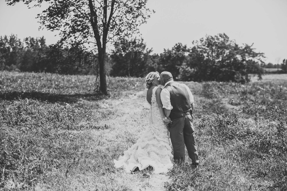 Sparrow & Laine Photography Wisconsin Wedding Photographer 21.jpg
