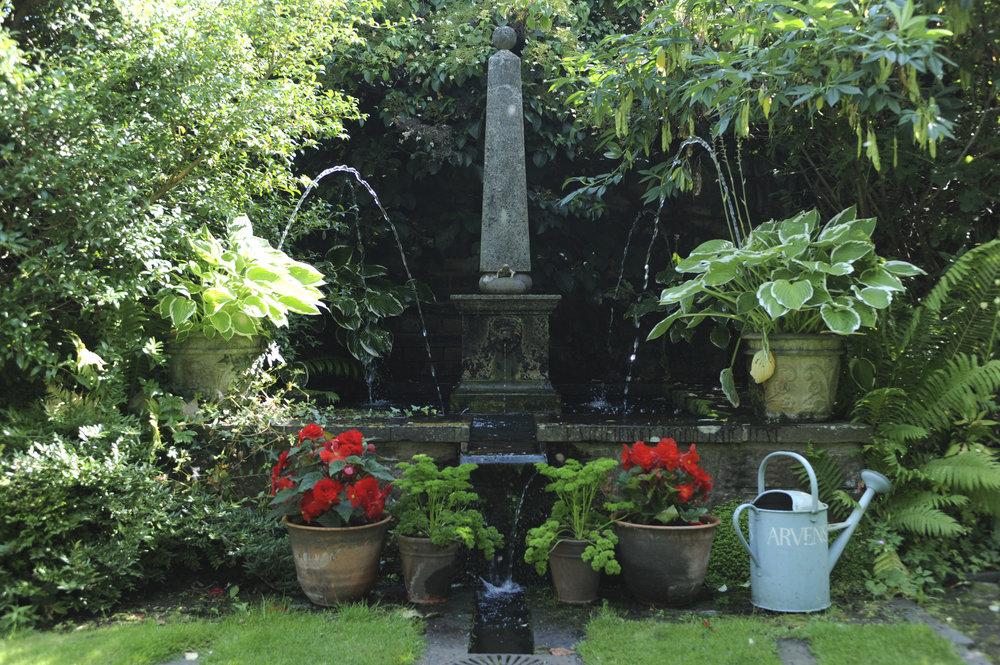 Shepherd House garden1703.jpg