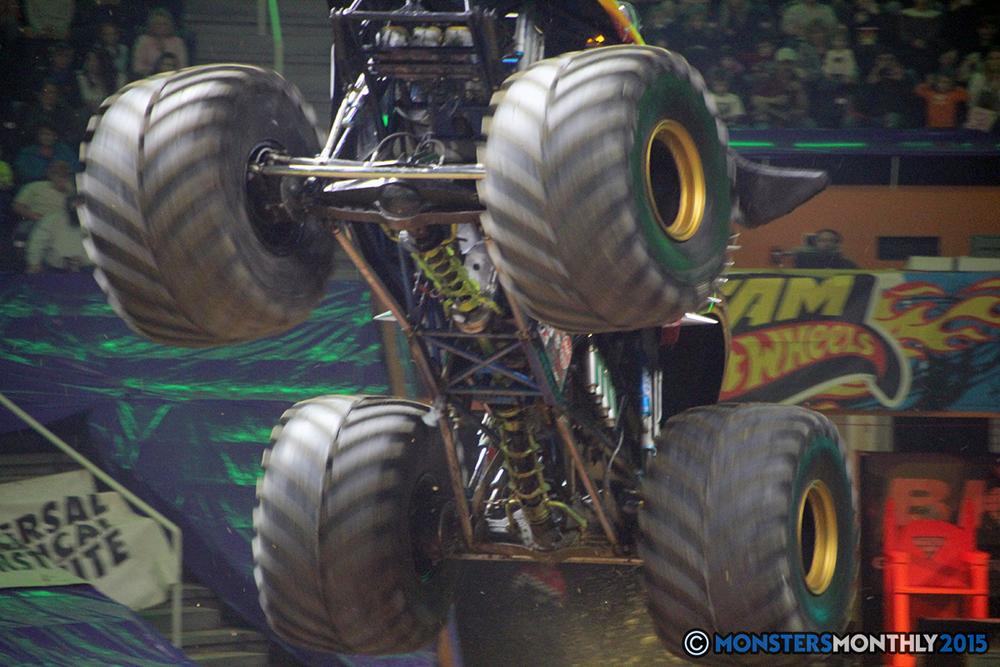 04-monsters-monthly-com-monster-jam-2015-thompson-bolin-arena-knoxville-tennessee-monster-truck.jpg