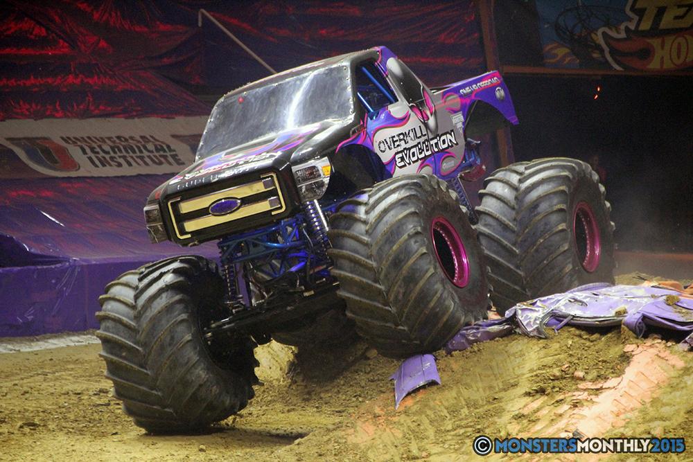 05-monsters-monthly-com-monster-jam-2015-thompson-bolin-arena-knoxville-tennessee-monster-truck.jpg