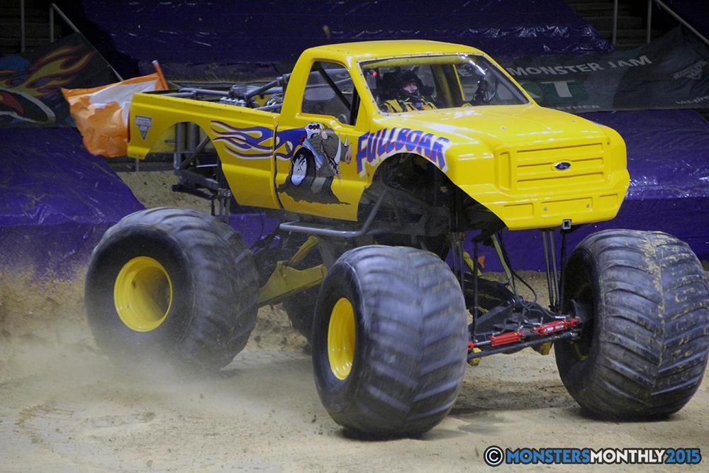 10-monsters-monthly-com-monster-jam-2015-thompson-bolin-arena-knoxville-tennessee-monster-truck.jpg