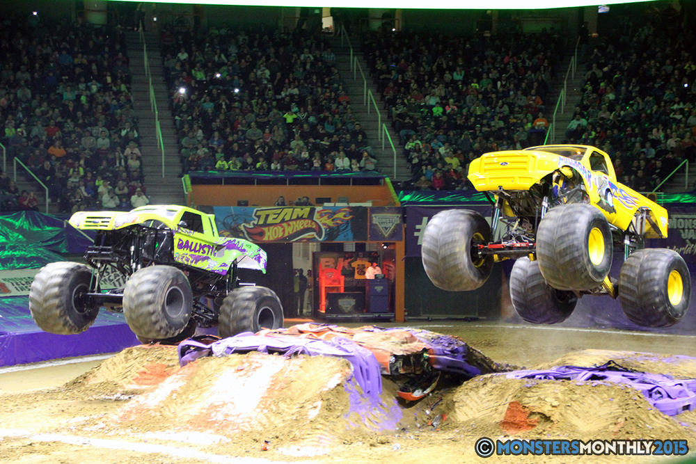 16-monsters-monthly-com-monster-jam-2015-thompson-bolin-arena-knoxville-tennessee-monster-truck.jpg