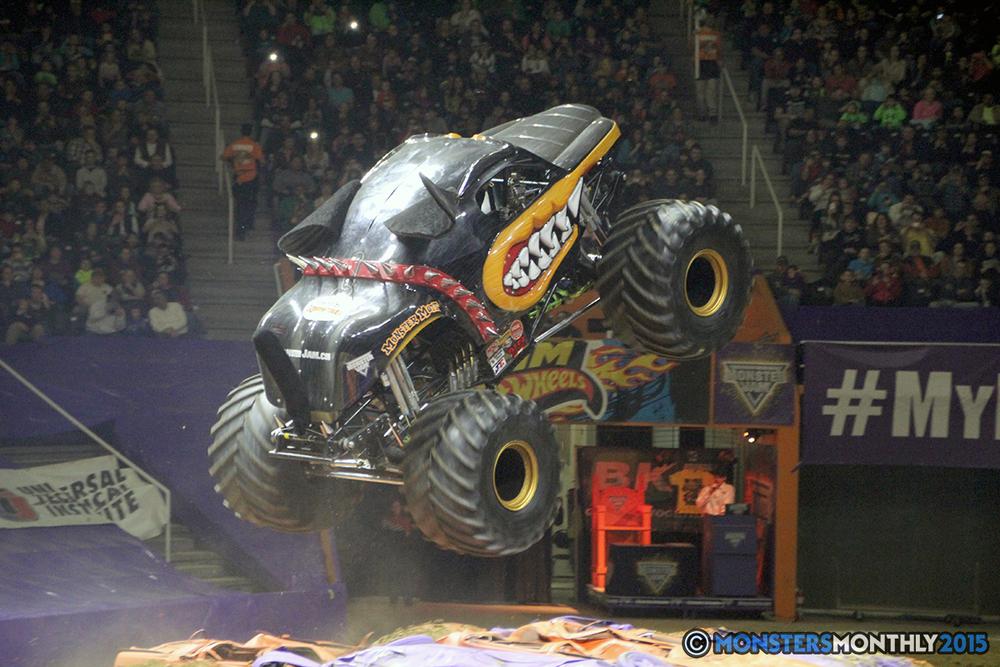22-monsters-monthly-com-monster-jam-2015-thompson-bolin-arena-knoxville-tennessee-monster-truck.jpg