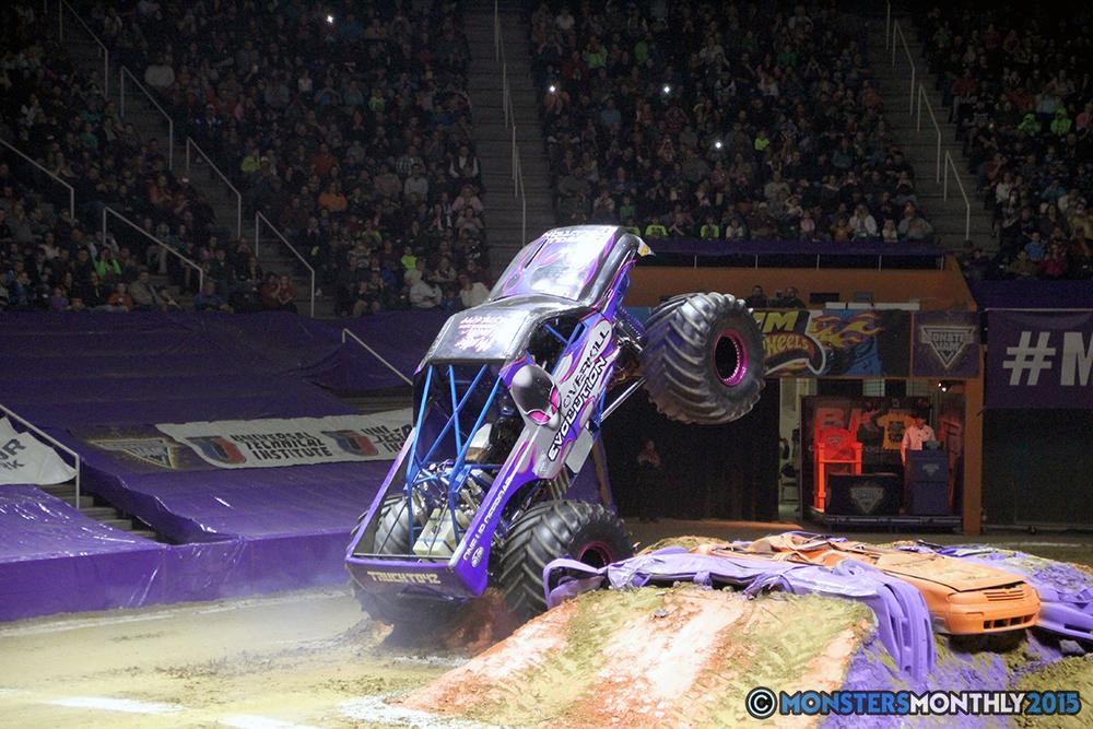 24-monsters-monthly-com-monster-jam-2015-thompson-bolin-arena-knoxville-tennessee-monster-truck.jpg