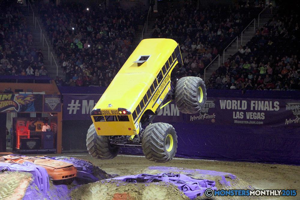 31-monsters-monthly-com-monster-jam-2015-thompson-bolin-arena-knoxville-tennessee-monster-truck.jpg