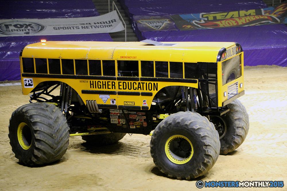 33-monsters-monthly-com-monster-jam-2015-thompson-bolin-arena-knoxville-tennessee-monster-truck.jpg