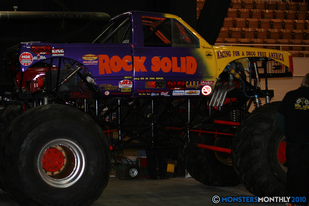 1-monsters-monthly-amp-2010-monster-truck-gallery-civic-coliseum-knoxville-tennessee.jpg