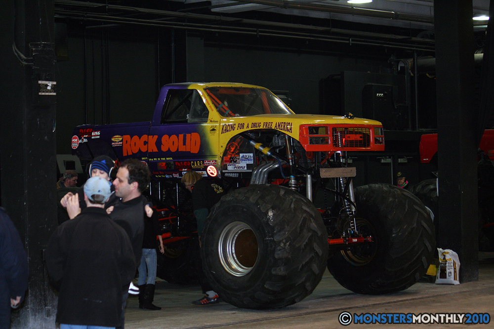 3-monsters-monthly-amp-2010-monster-truck-gallery-civic-coliseum-knoxville-tennessee.jpg