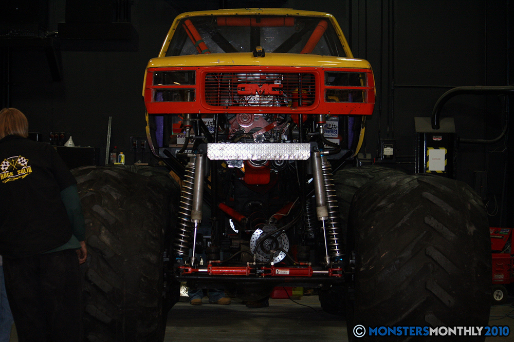 6-monsters-monthly-amp-2010-monster-truck-gallery-civic-coliseum-knoxville-tennessee.jpg