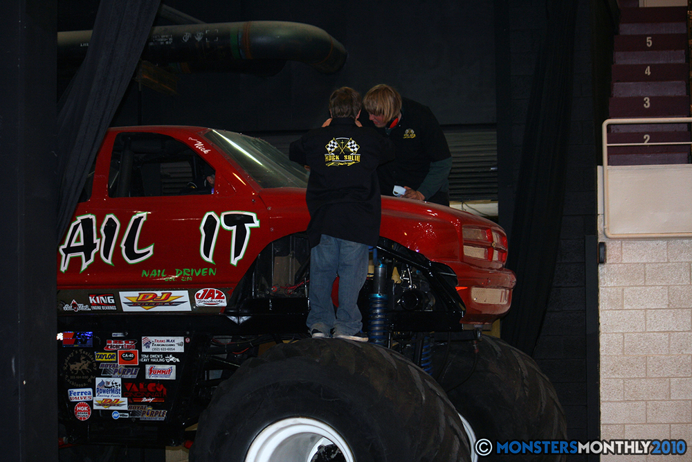 9-monsters-monthly-amp-2010-monster-truck-gallery-civic-coliseum-knoxville-tennessee.jpg