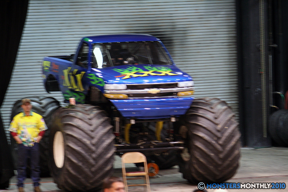 11-monsters-monthly-amp-2010-monster-truck-gallery-civic-coliseum-knoxville-tennessee.jpg