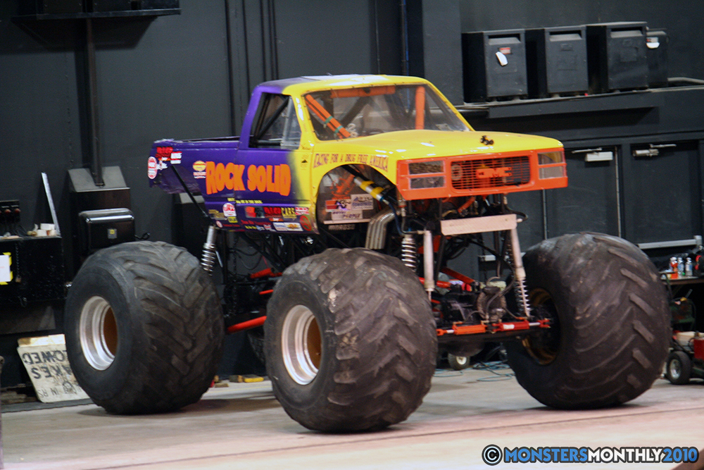 10-monsters-monthly-amp-2010-monster-truck-gallery-civic-coliseum-knoxville-tennessee.jpg