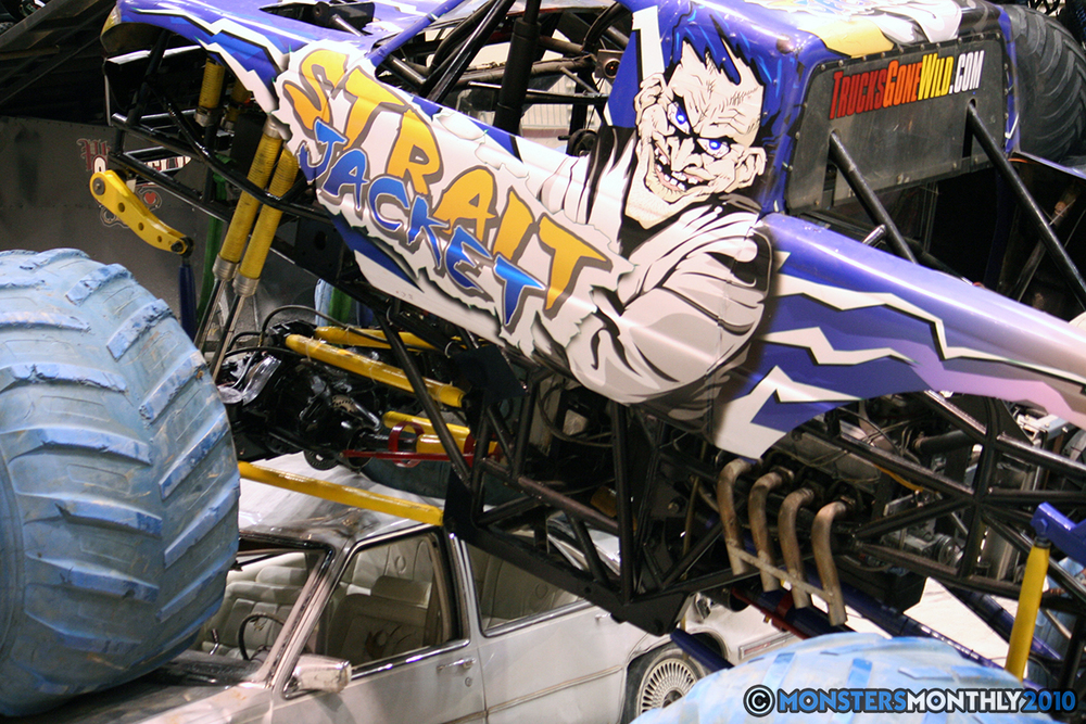 12-monsters-monthly-amp-2010-monster-truck-gallery-civic-coliseum-knoxville-tennessee.jpg