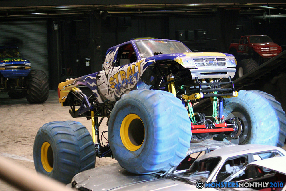 16-monsters-monthly-amp-2010-monster-truck-gallery-civic-coliseum-knoxville-tennessee.jpg
