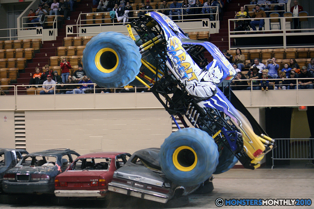 18-monsters-monthly-amp-2010-monster-truck-gallery-civic-coliseum-knoxville-tennessee.jpg