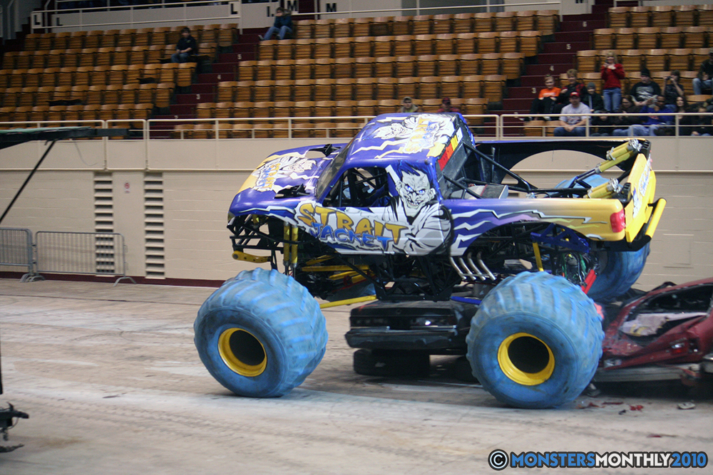 19-monsters-monthly-amp-2010-monster-truck-gallery-civic-coliseum-knoxville-tennessee.jpg