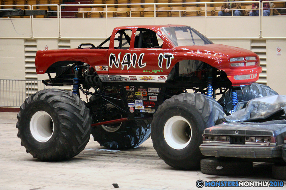 20-monsters-monthly-amp-2010-monster-truck-gallery-civic-coliseum-knoxville-tennessee.jpg