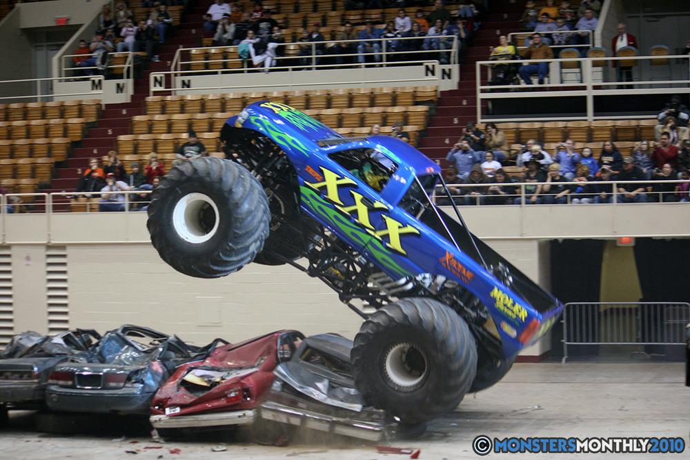 24-monsters-monthly-amp-2010-monster-truck-gallery-civic-coliseum-knoxville-tennessee.jpg