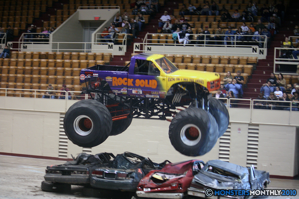 26-monsters-monthly-amp-2010-monster-truck-gallery-civic-coliseum-knoxville-tennessee.jpg