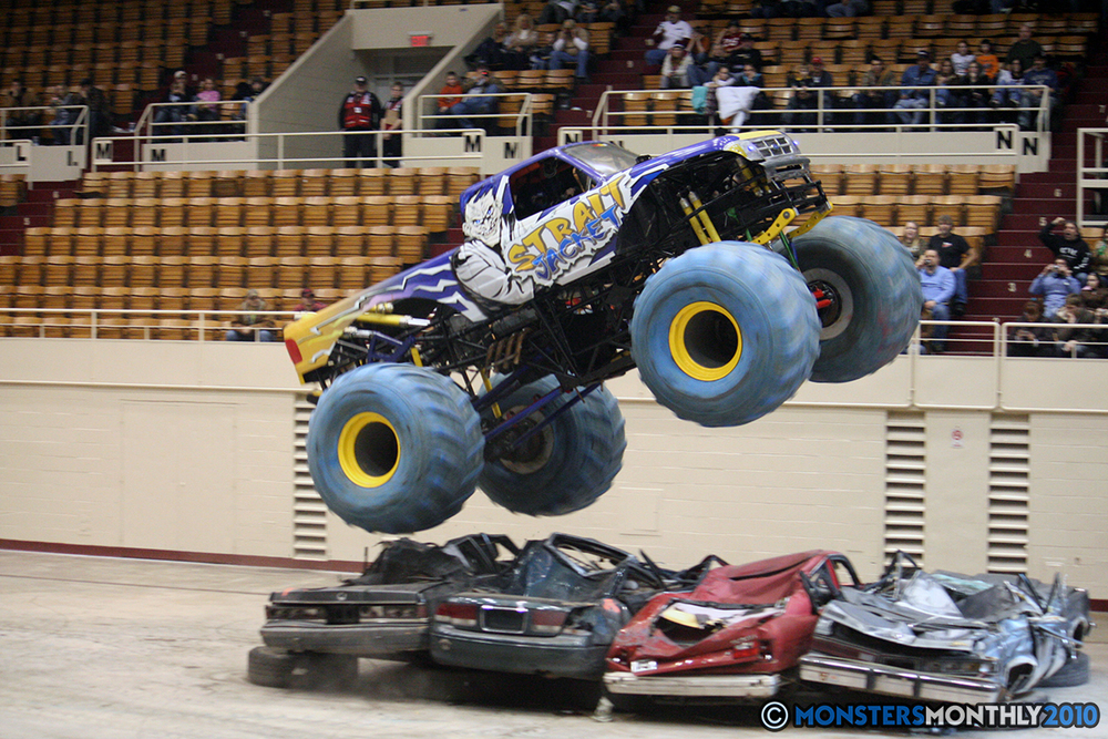 28-monsters-monthly-amp-2010-monster-truck-gallery-civic-coliseum-knoxville-tennessee.jpg