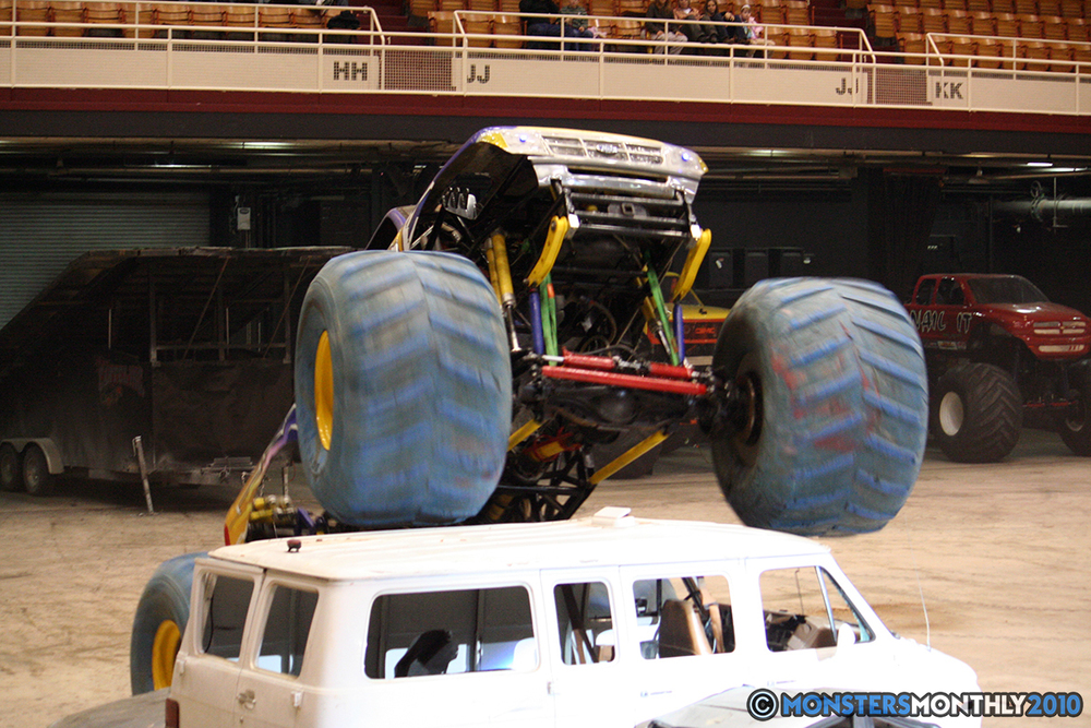 29-monsters-monthly-amp-2010-monster-truck-gallery-civic-coliseum-knoxville-tennessee.jpg