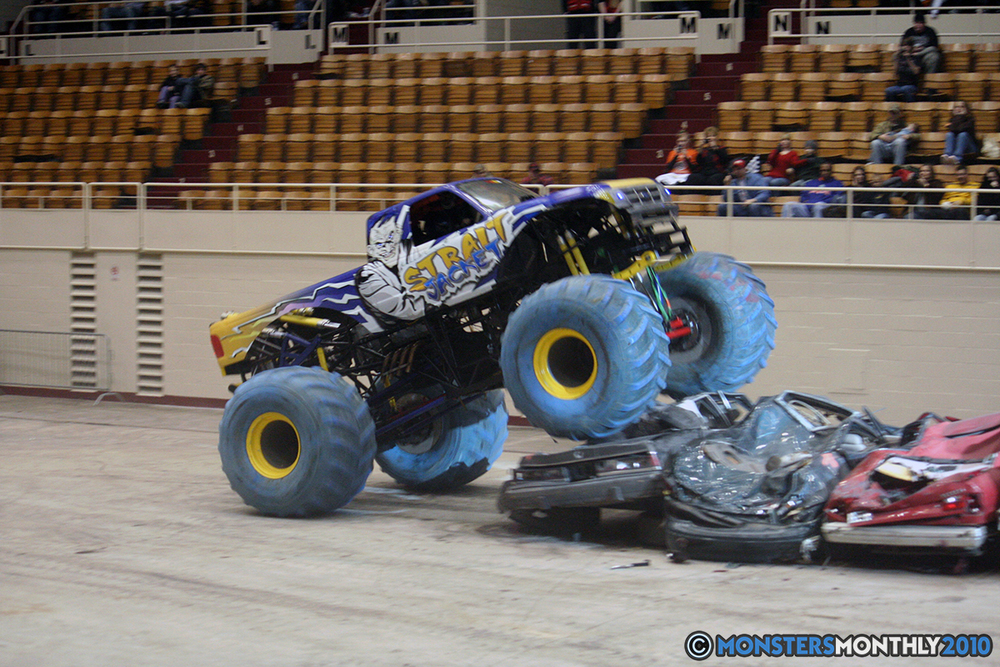 31-monsters-monthly-amp-2010-monster-truck-gallery-civic-coliseum-knoxville-tennessee.jpg