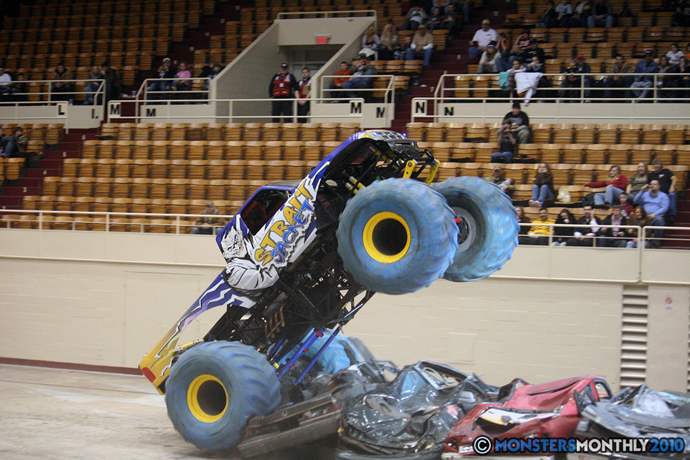 32-monsters-monthly-amp-2010-monster-truck-gallery-civic-coliseum-knoxville-tennessee.jpg