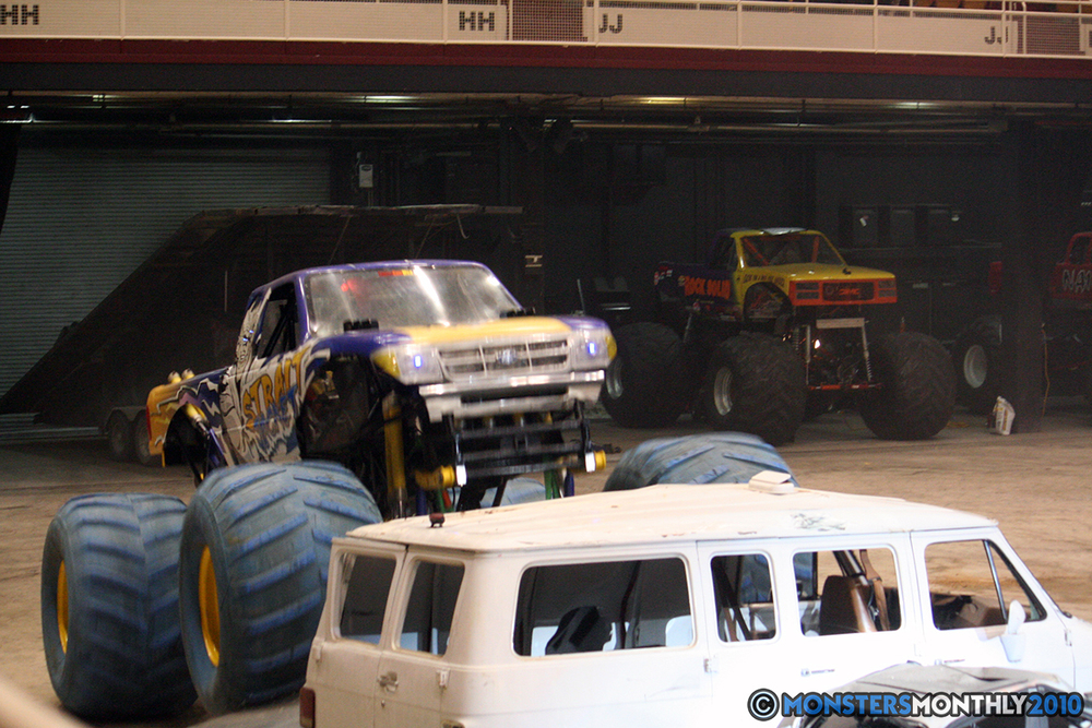 33-monsters-monthly-amp-2010-monster-truck-gallery-civic-coliseum-knoxville-tennessee.jpg