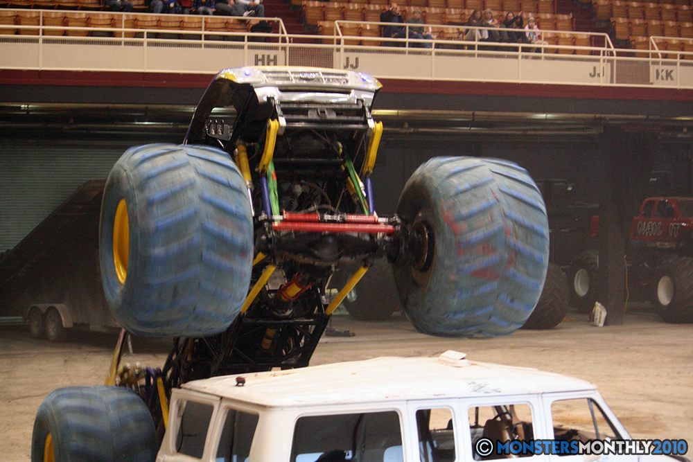 34-monsters-monthly-amp-2010-monster-truck-gallery-civic-coliseum-knoxville-tennessee.jpg