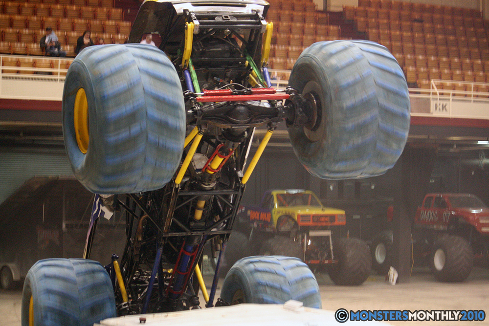 35-monsters-monthly-amp-2010-monster-truck-gallery-civic-coliseum-knoxville-tennessee.jpg