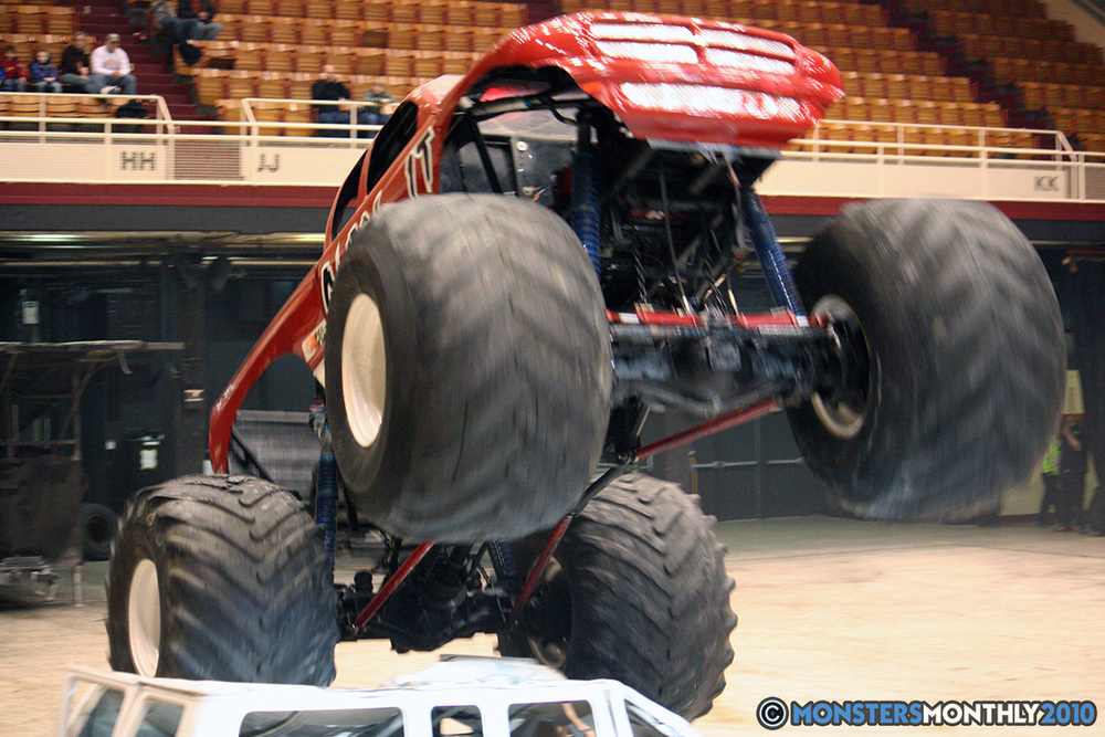 38-monsters-monthly-amp-2010-monster-truck-gallery-civic-coliseum-knoxville-tennessee.jpg