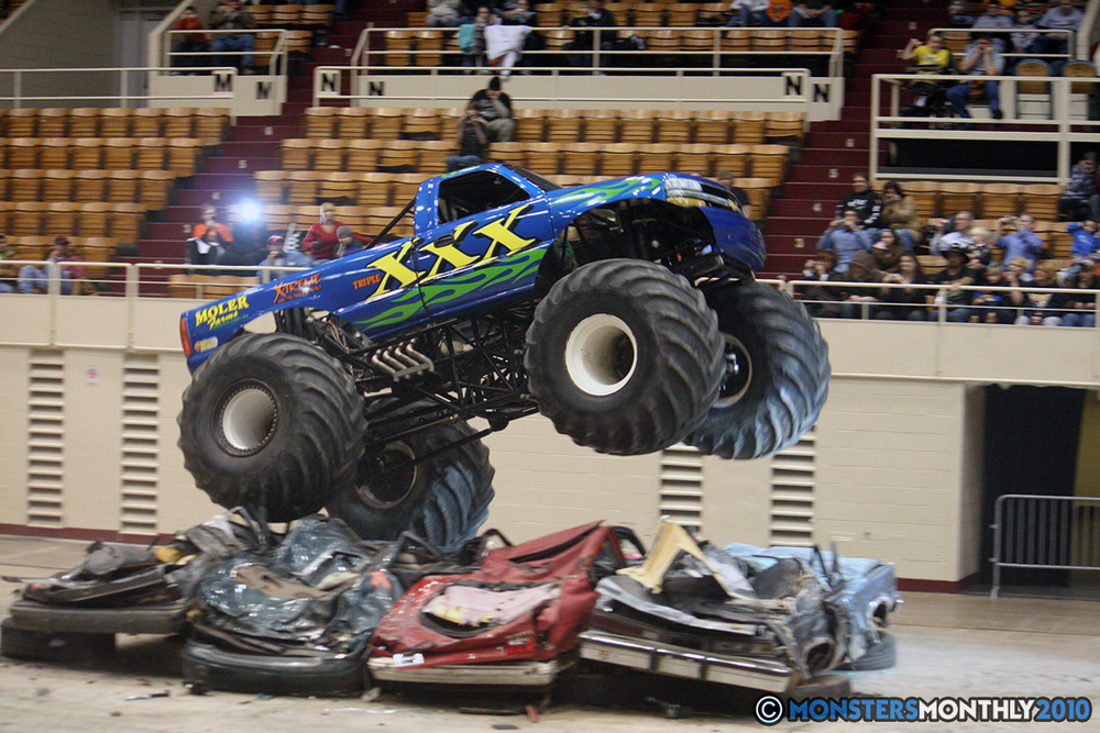 41-monsters-monthly-amp-2010-monster-truck-gallery-civic-coliseum-knoxville-tennessee.jpg