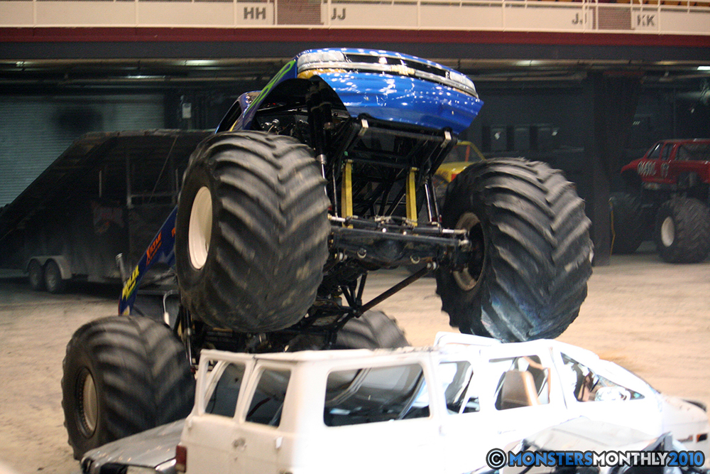 43-monsters-monthly-amp-2010-monster-truck-gallery-civic-coliseum-knoxville-tennessee.jpg