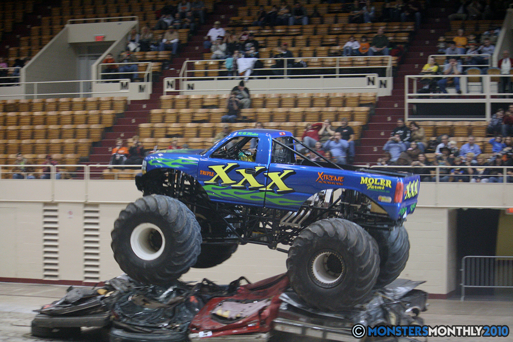 46-monsters-monthly-amp-2010-monster-truck-gallery-civic-coliseum-knoxville-tennessee.jpg