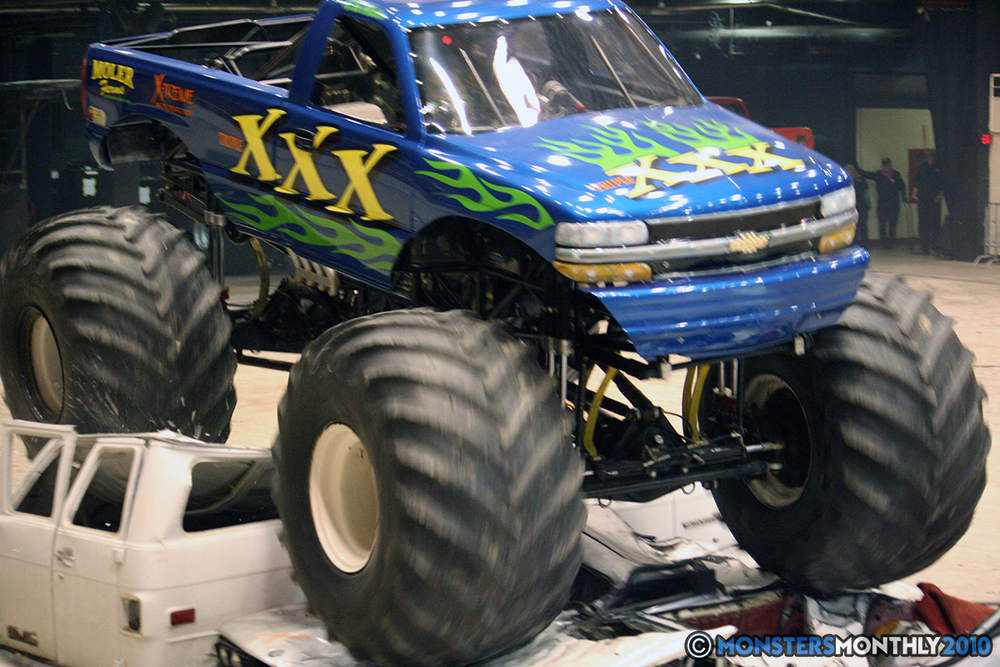 50-monsters-monthly-amp-2010-monster-truck-gallery-civic-coliseum-knoxville-tennessee.jpg
