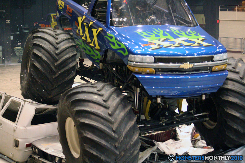 51-monsters-monthly-amp-2010-monster-truck-gallery-civic-coliseum-knoxville-tennessee.jpg