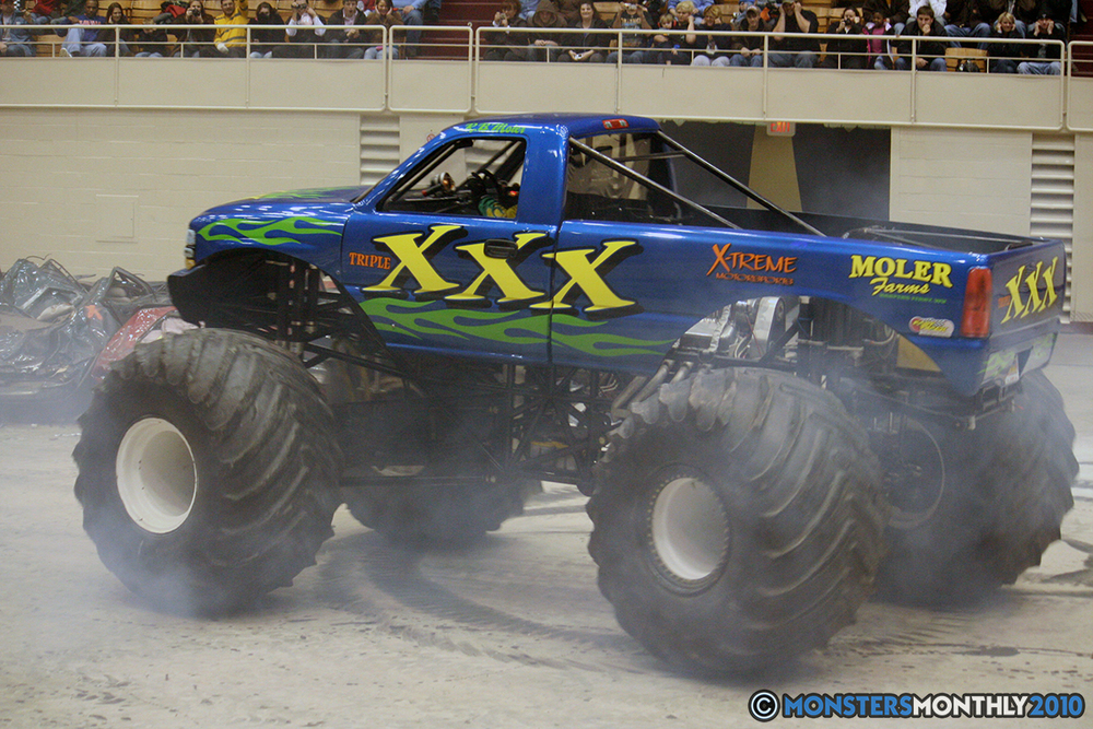 52-monsters-monthly-amp-2010-monster-truck-gallery-civic-coliseum-knoxville-tennessee.jpg