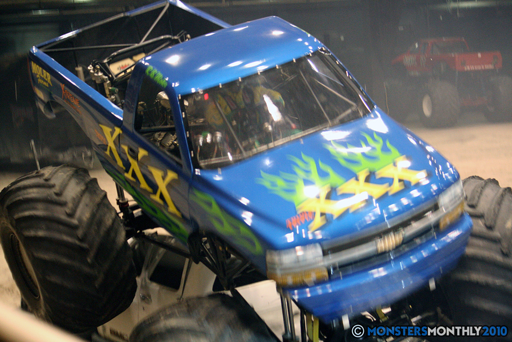 53-monsters-monthly-amp-2010-monster-truck-gallery-civic-coliseum-knoxville-tennessee.jpg