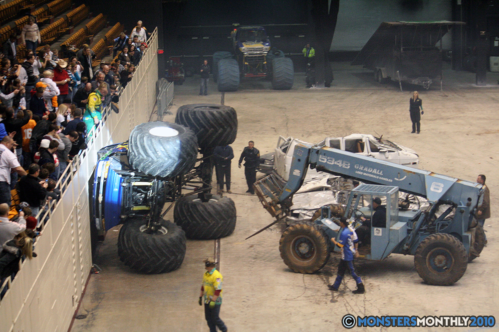 55-monsters-monthly-amp-2010-monster-truck-gallery-civic-coliseum-knoxville-tennessee.jpg