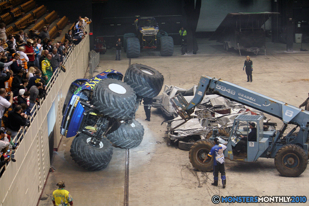 57-monsters-monthly-amp-2010-monster-truck-gallery-civic-coliseum-knoxville-tennessee.jpg