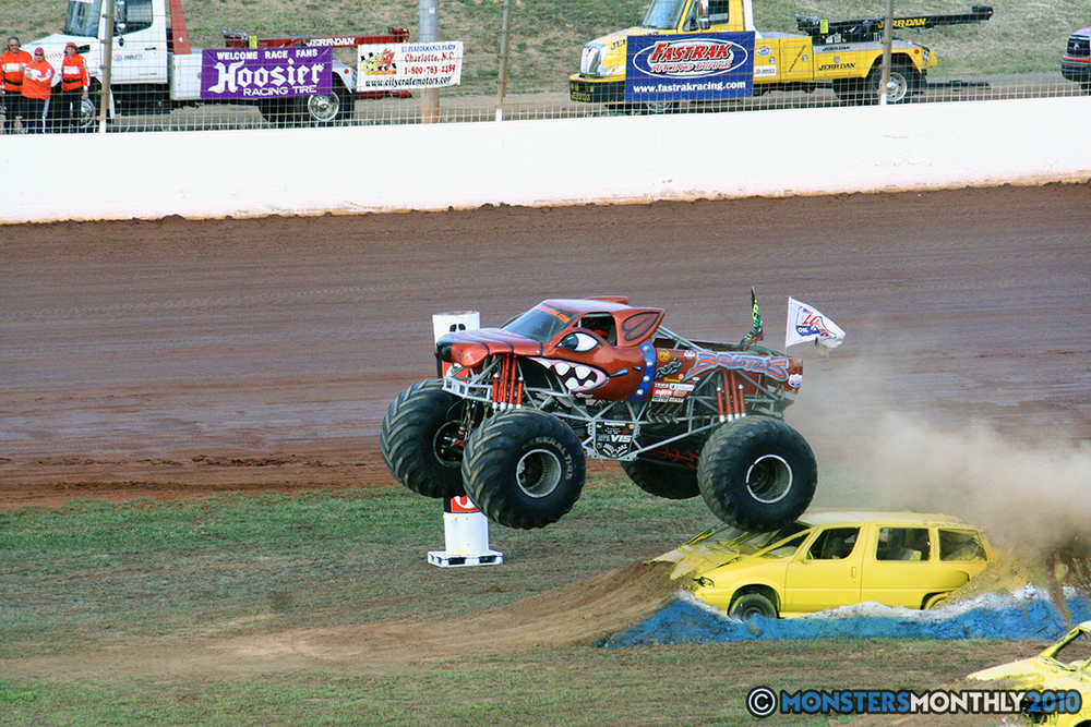 06-monstersmonthly-2010-charlotte-dirt-track-monster-truck-back-to-school-bash.jpg