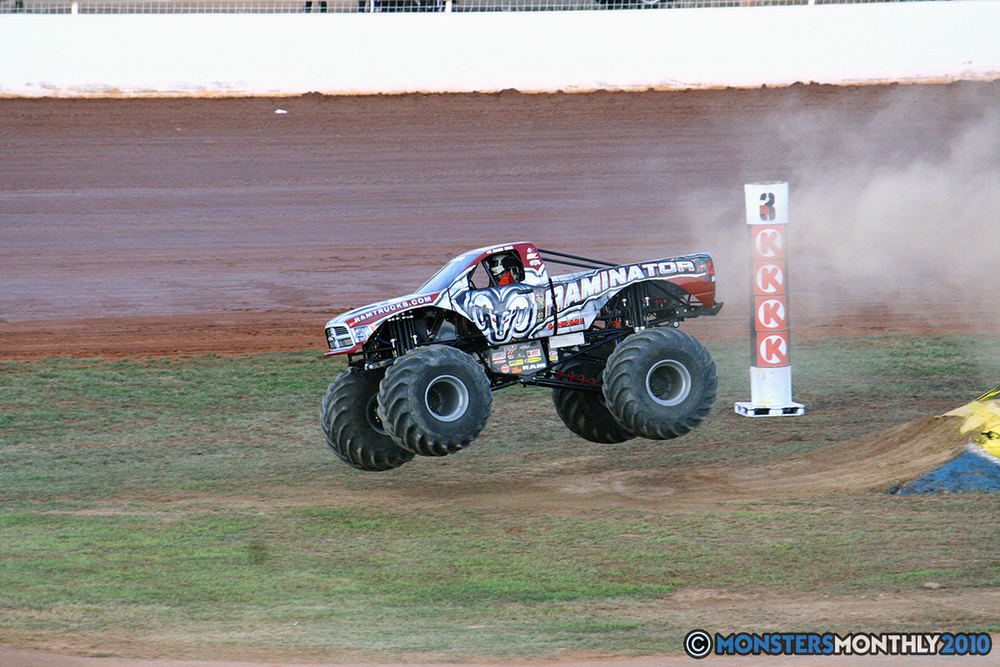 20-monstersmonthly-2010-charlotte-dirt-track-monster-truck-back-to-school-bash.jpg